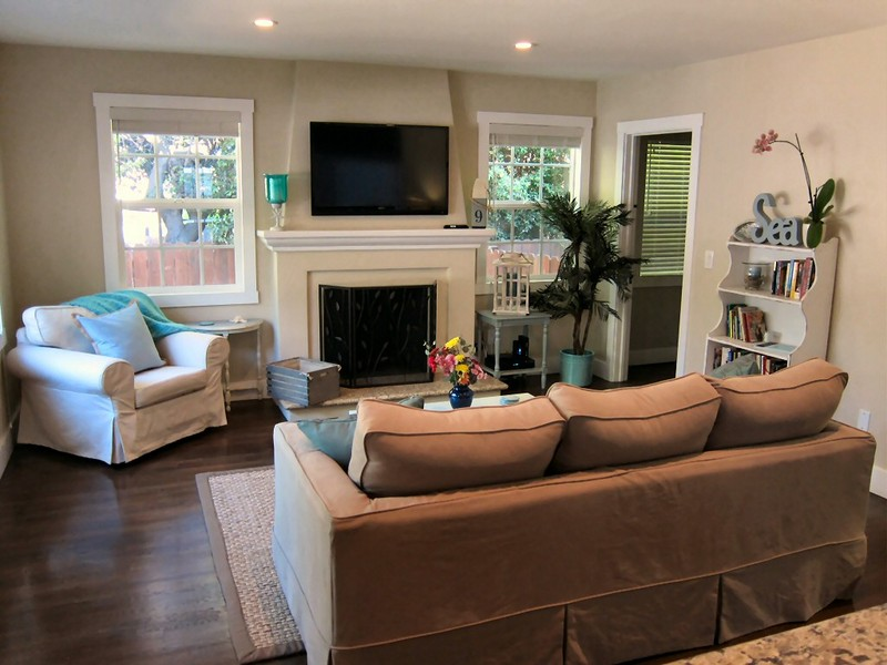 Normal living room designs room dimensions cougar for Room design normal